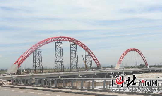 张家口清水河大桥主体完工